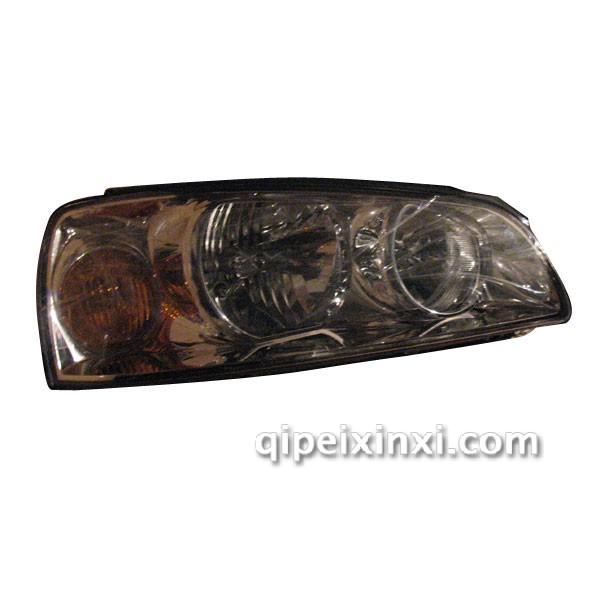 产品名称:北京现代伊兰特大灯 适用车型:北京现代 北京现代伊兰特大灯也称汽车前照灯、汽车LED日行灯,作为汽车的眼睛,不仅关系到一个车主的外在形象,更与夜间开车或坏天气条件下的安全驾驶紧密联系。车灯的使用及保养,是不可忽略的。
